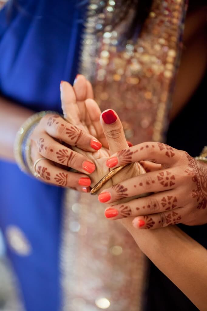 bridal hands indian wedding mehndi best wedding photographers