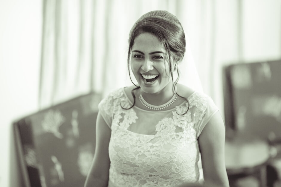 candid photograph bride beautiful