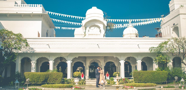 taj-lake-palace-udaipur-couple-shoot.jpg